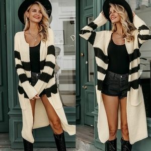 🎉🎉HP🎉🎉Lovely Striped Long Cardigan